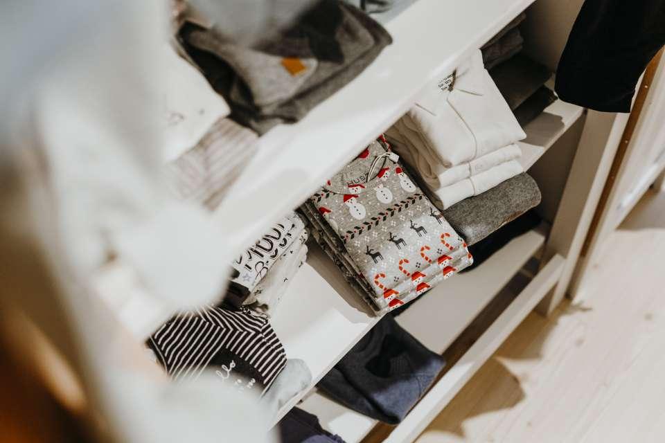Hemden und Pullover für schicke Kids