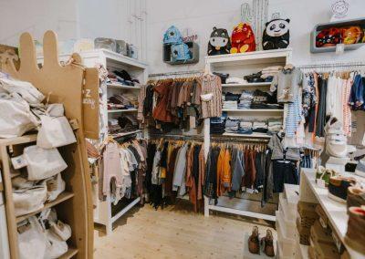 Innenansicht Glückskinder-Modegeschäft in Braunschweig