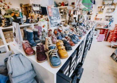 Große Schuhauswahl bei Glückskinder